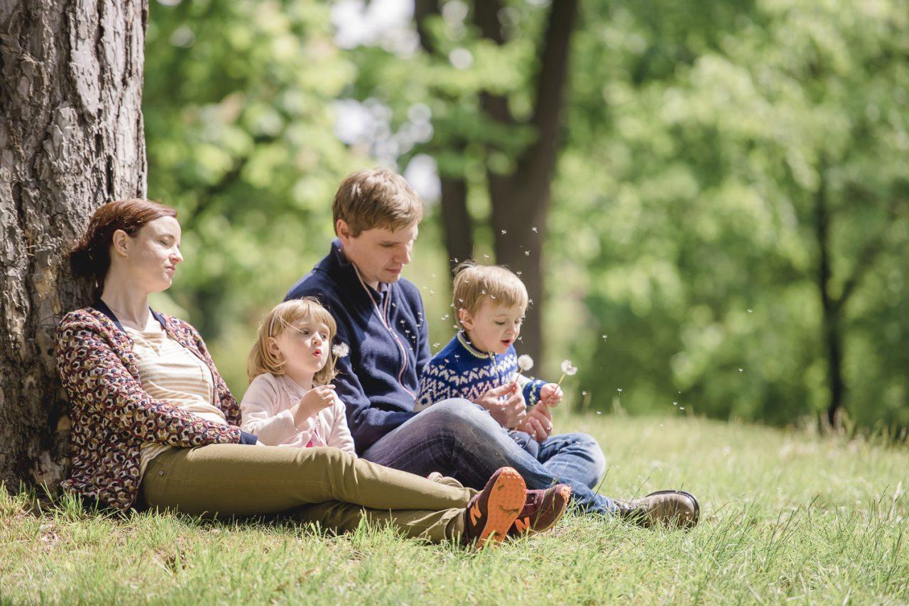 Entspanntes Familien Fotoshooting im Maxing Park